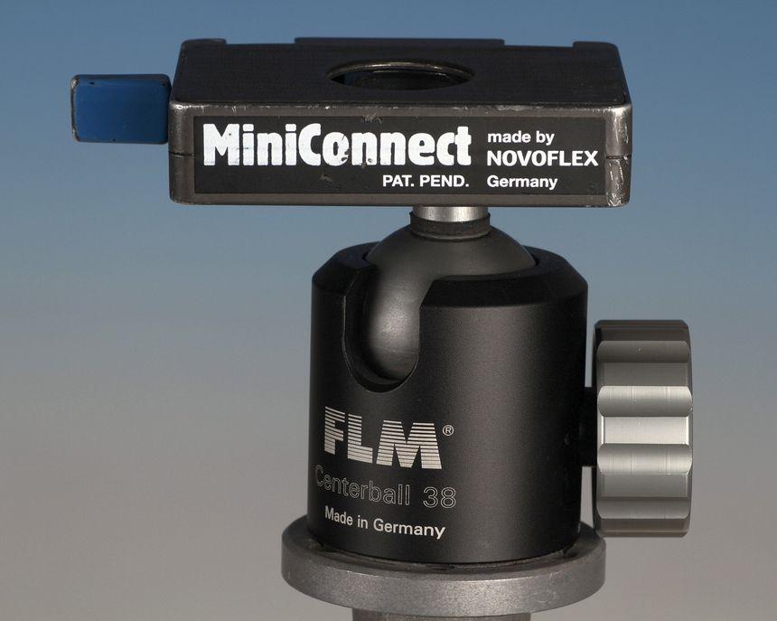 Dieser FLM-Kugelkopf ist gut für den Outdoor-Einsatz, weil er robust und einfach zu reinigen ist.