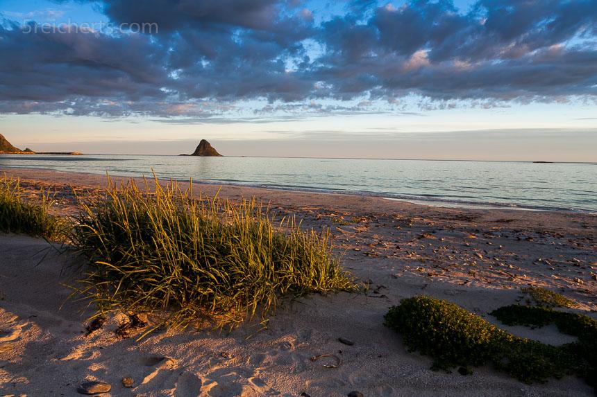 Aufnahme ohne Polfilter. Das stark reflektierende Meer erhöht den Bildkontrast zu stark