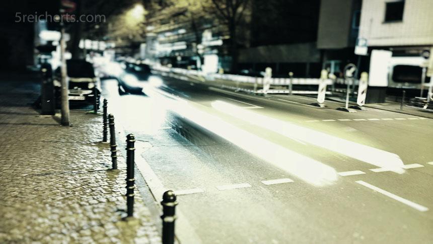 Nachts in der Stadt, Langzeit, angelehnt