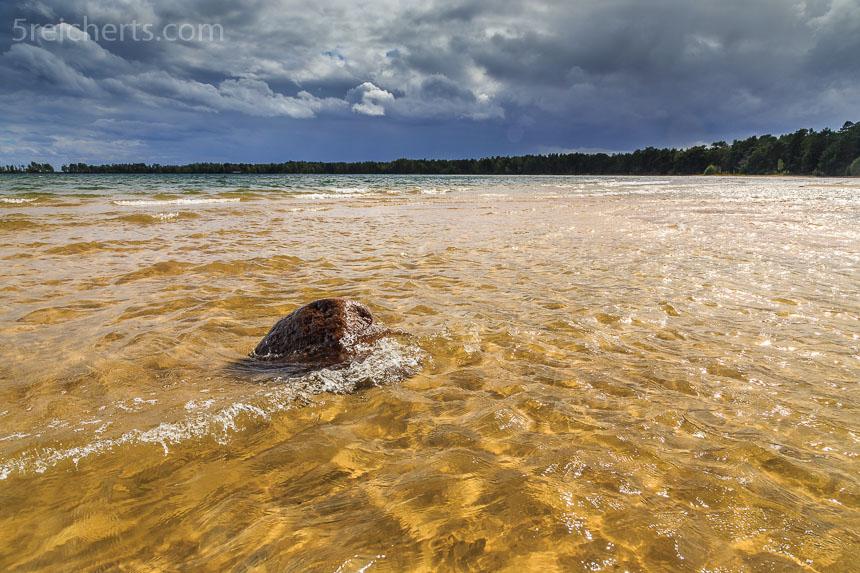 Das klare Wasser des Vättern Sees