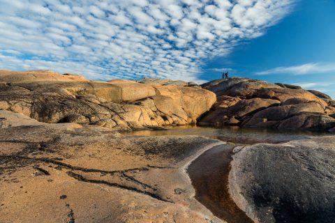 Wandern über die Felsen von Havsvidden