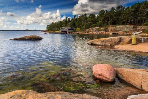Küste der Insel Vardö. Åland, Finnland