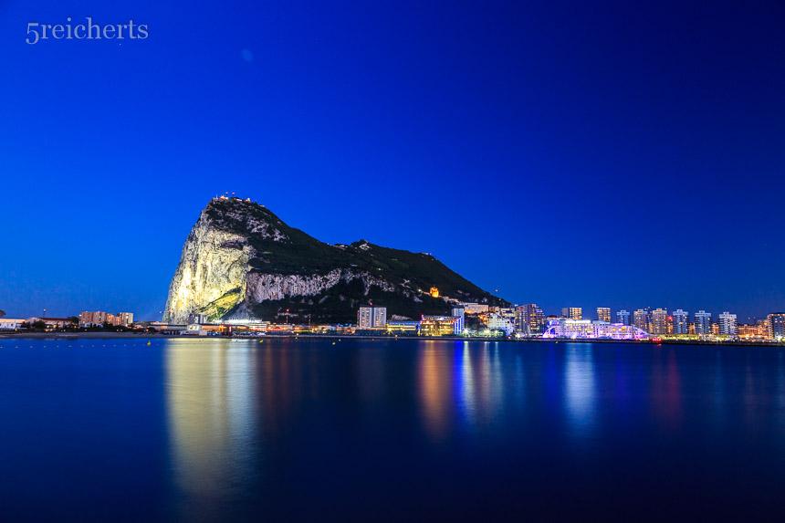 Gibraltar in der Nacht
