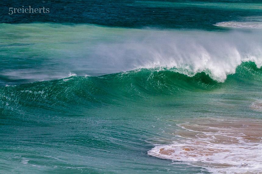 Wellen am Leuchtturm, Andalusien