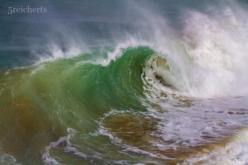 Wellen am Leuchtturm