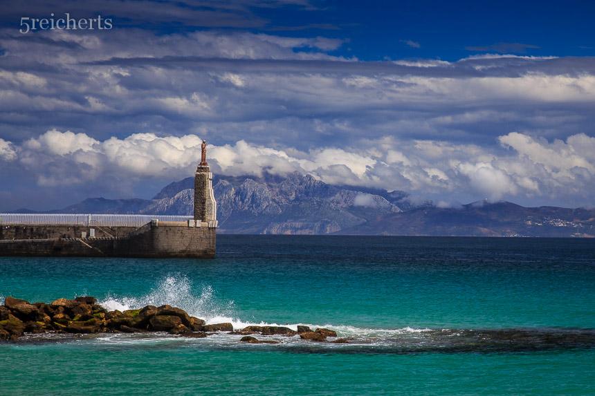 Statue am Hafen von Tarifa, Andalusien