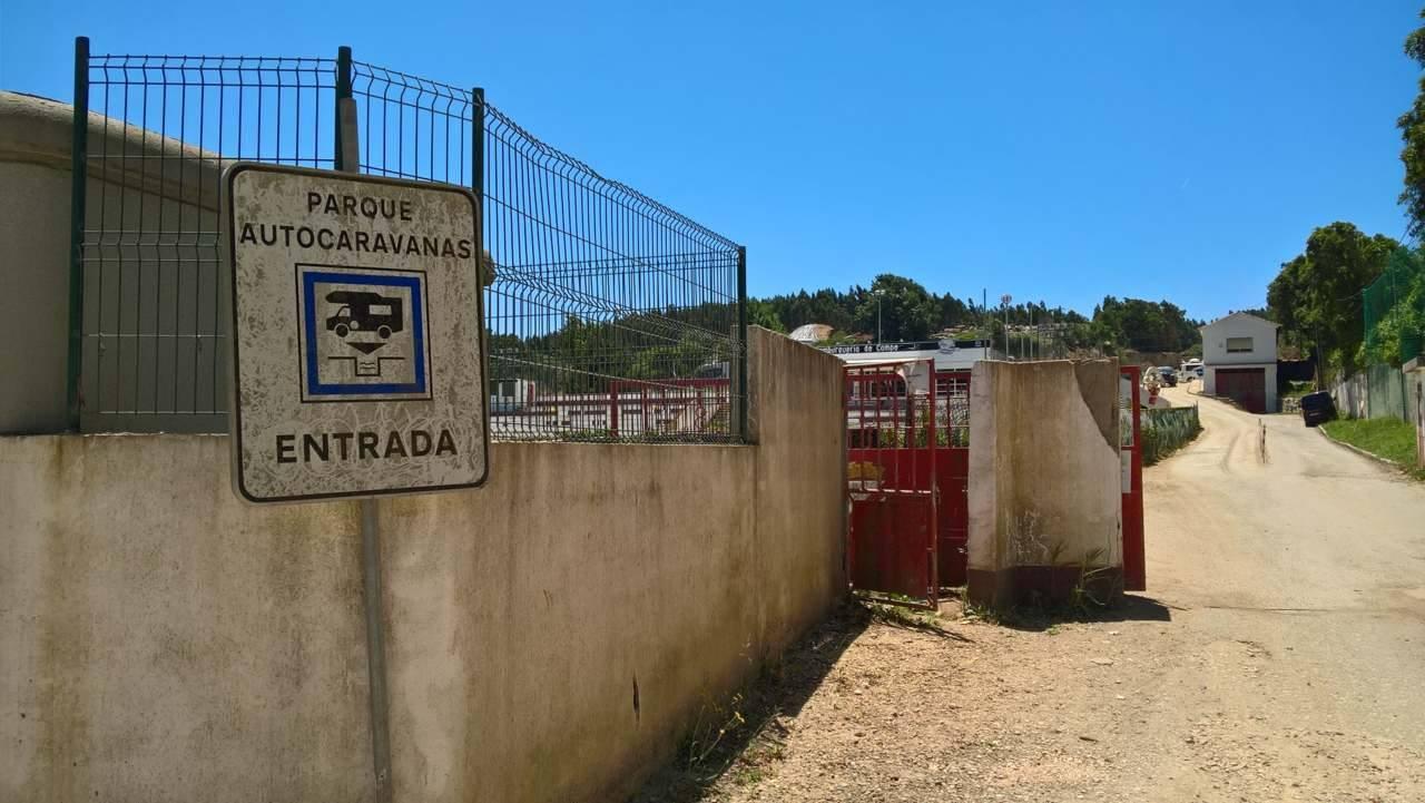 Einfahrt zum Womostellplatz, Sintra
