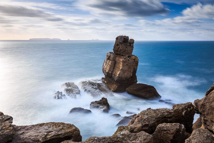 Fels im Meer, Peniche, Portugal