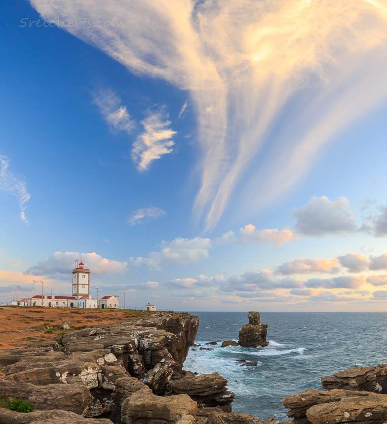 Gegen Abend am Leuchtturm Cavoeiro, Portugal