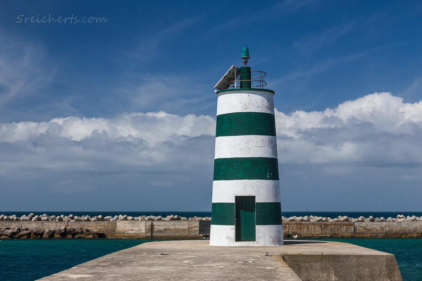 Hafenleuchtturm in Peniche, Portugal