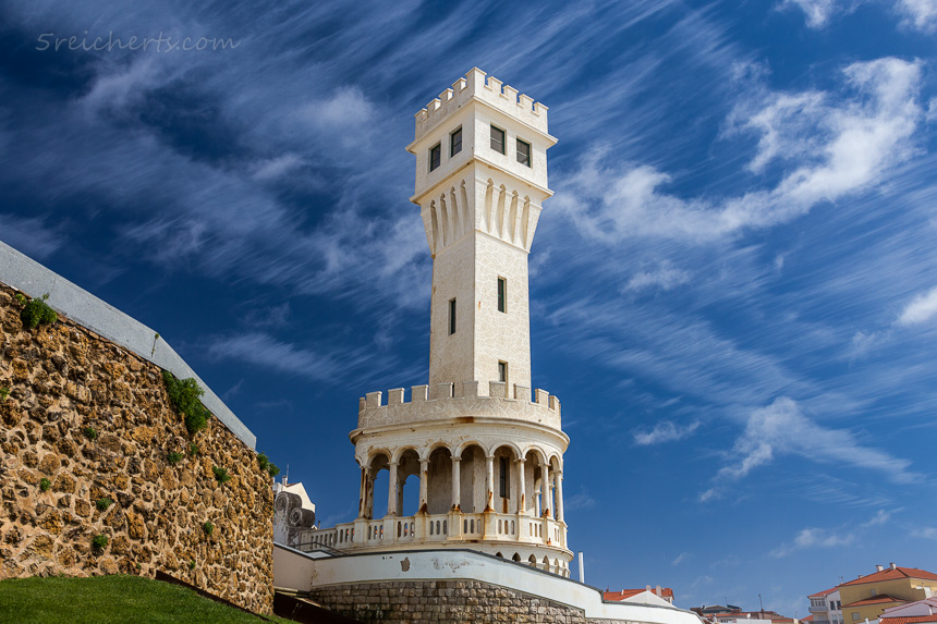 Turm in Santa Cruz, Portugal