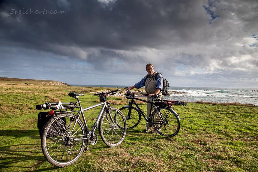 Radtour auf Ouessant, die Stative immer fest verzurrt