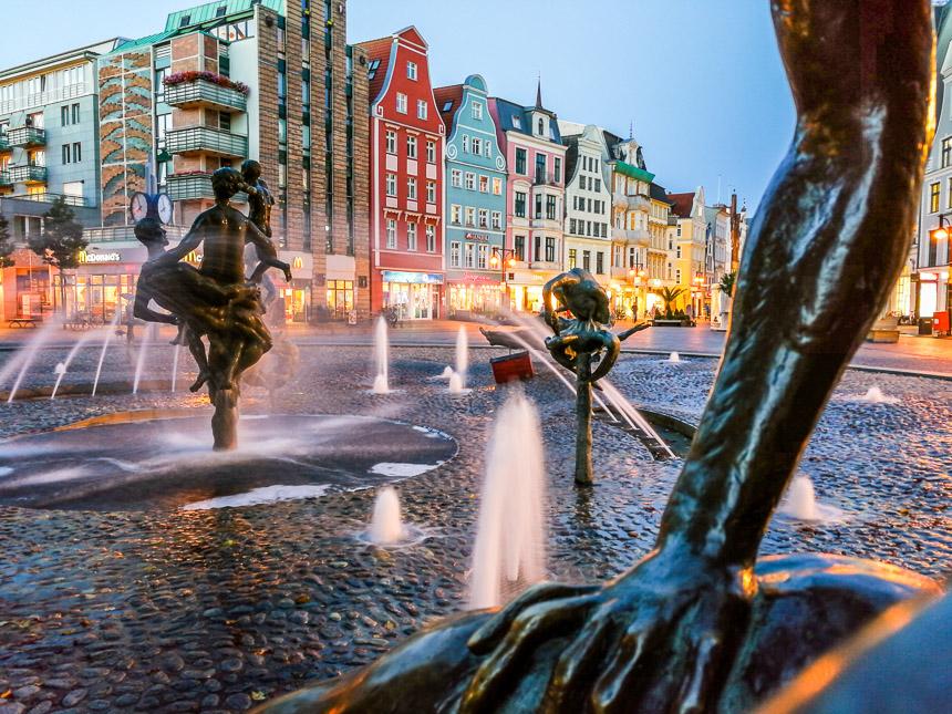 Brunnen in Rostock, Langeitaufnahme mit dem Smartphone