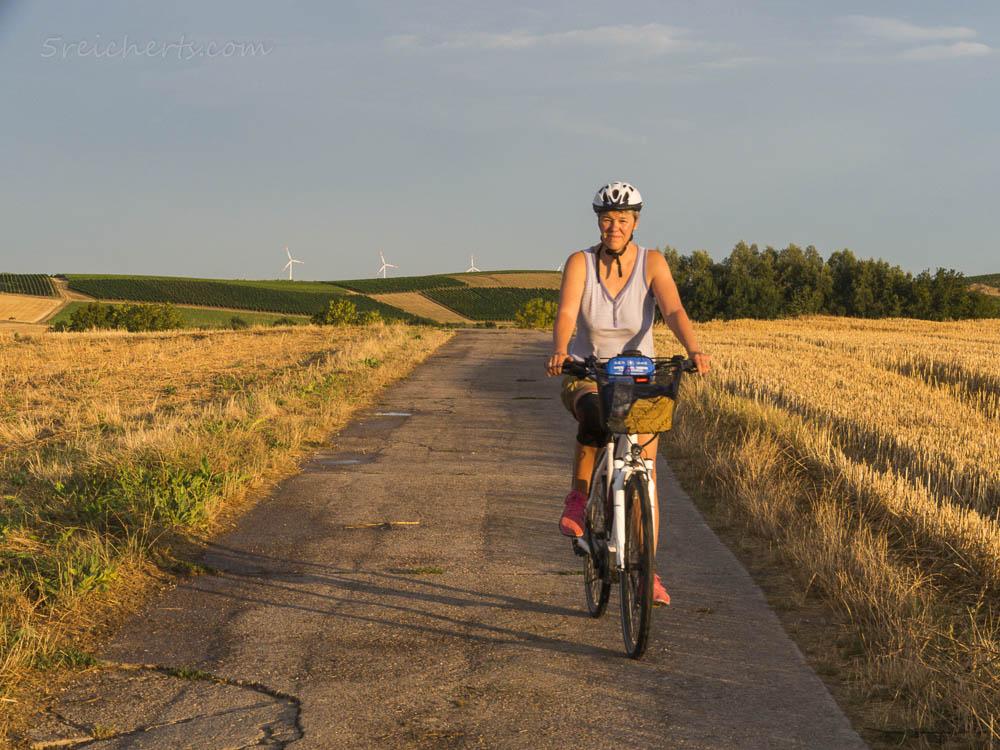 Gabi auf dem E-Bike