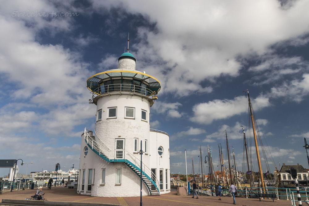 Der Hafenleuchtturm in dem ein Fischrestaurant ist