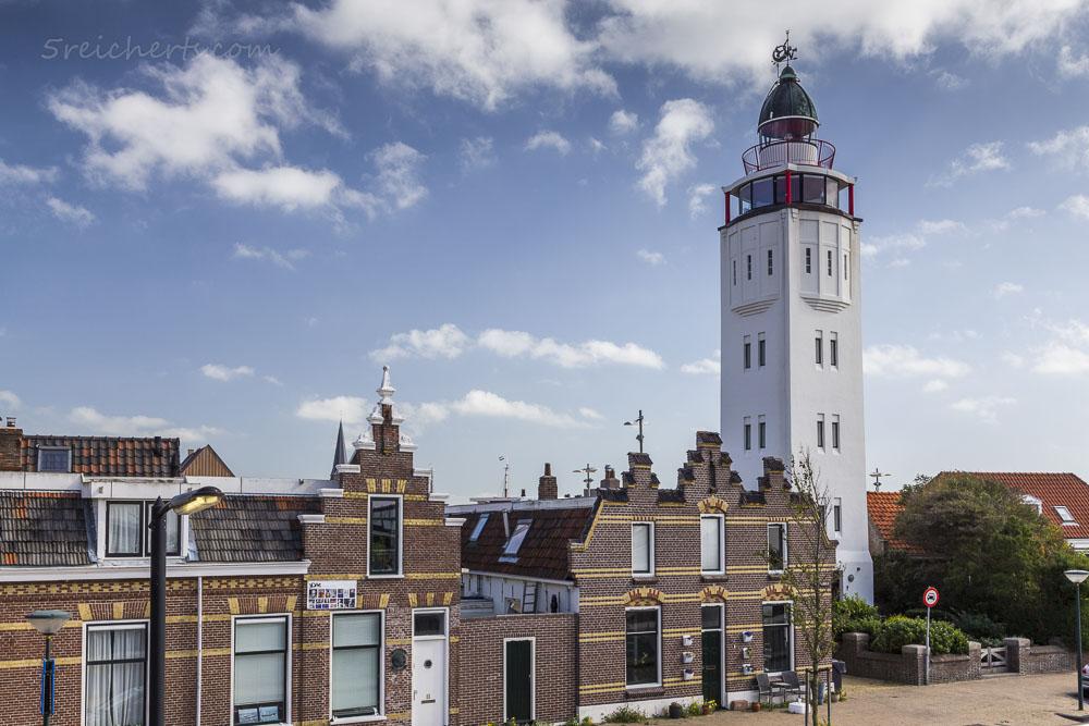 Der Leuchtturm in Harlingen ist jetzt Ferienwohnung