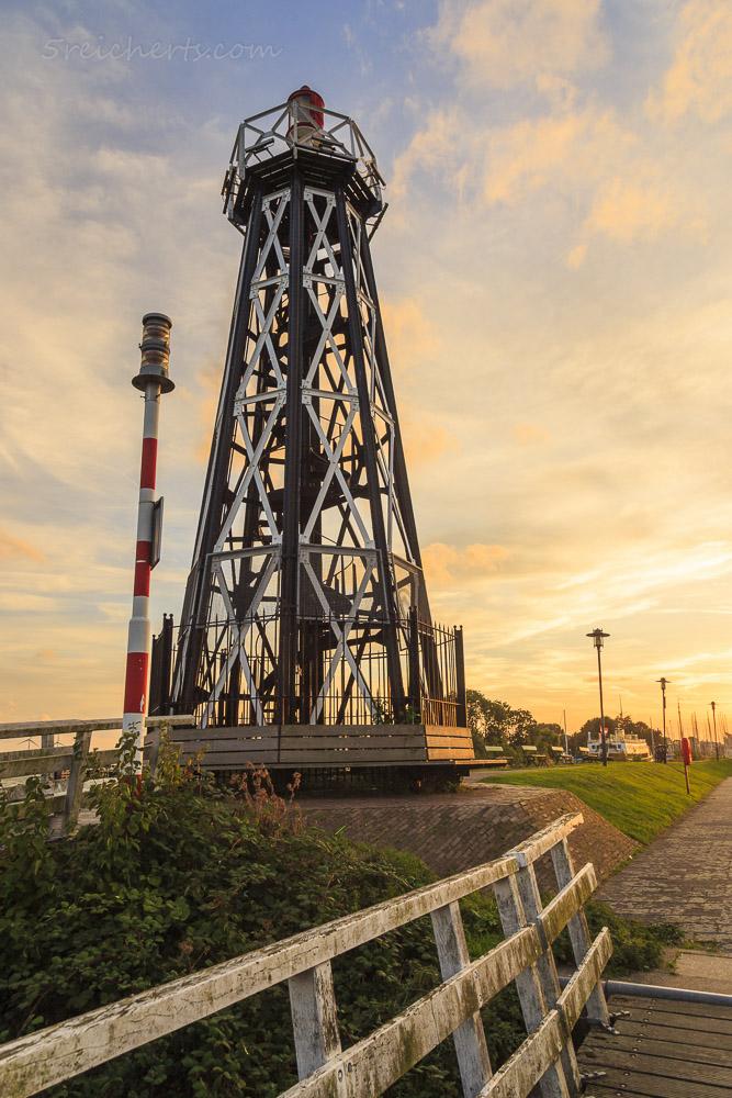 Abendstimmung am Hafenleuchtturm, Enkhuizen, Niederlande