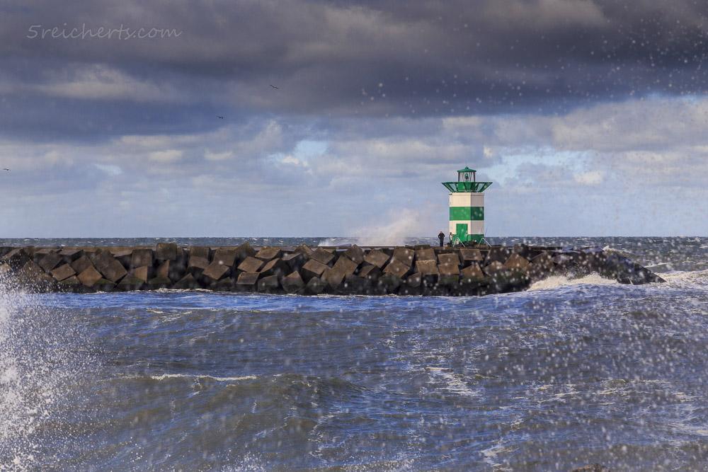 Der grüne Hafenleuchtturm von Scheveningen