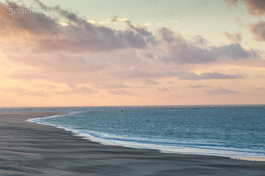 Strand und rosa Wölkchen, Picardie