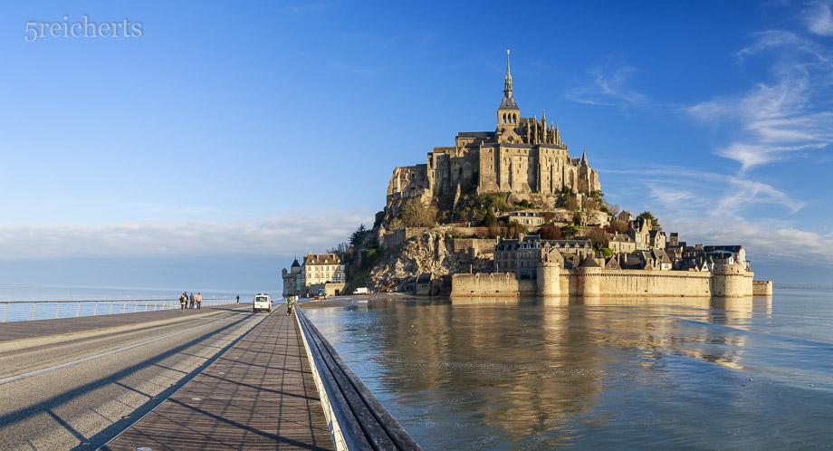 Mont Saint Michel bei Springflut