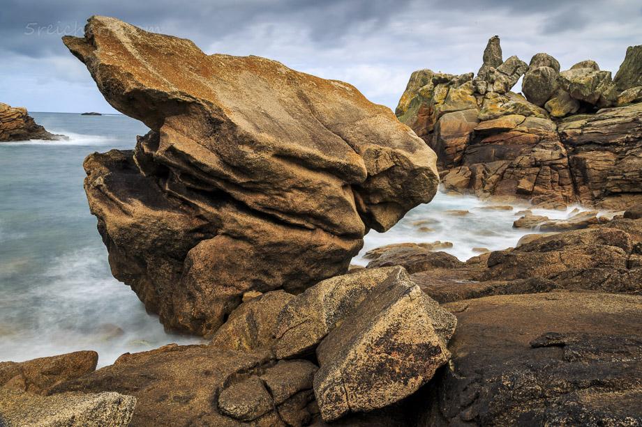 Felsenküste Ile de Sein, Bretagne