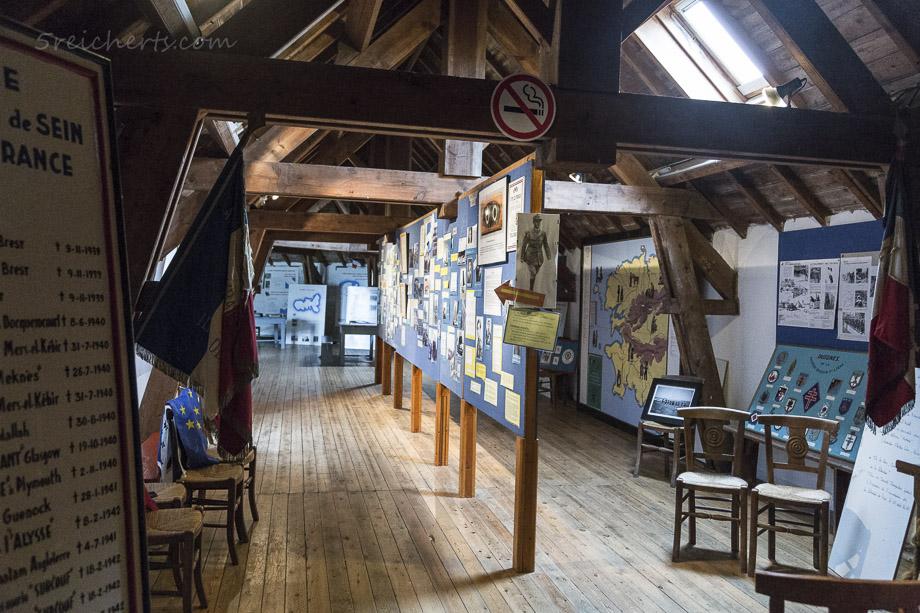 Im Museum, Ile de Sein