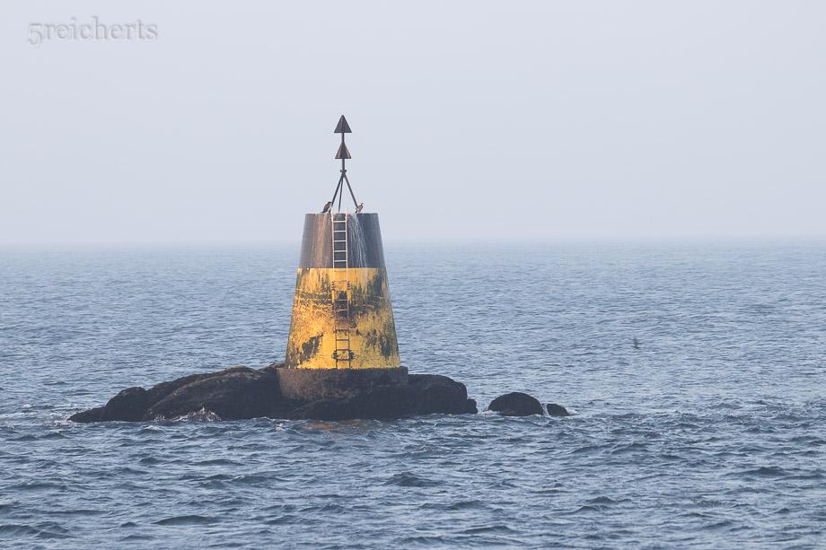 Seezeichen auf dem Weg zur Insel Hoedic