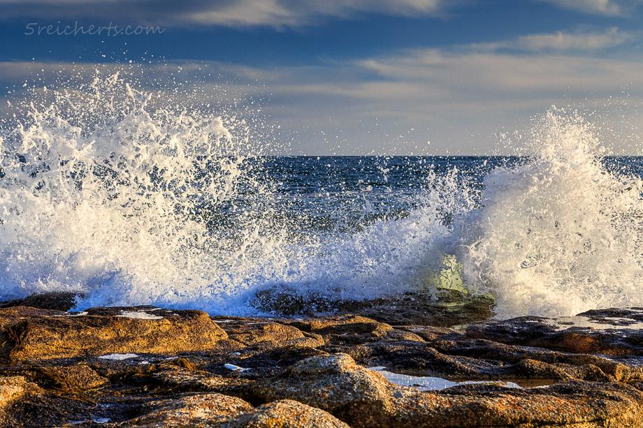 Wellen direkt vor den Häusern, Guilvinec Bretagne