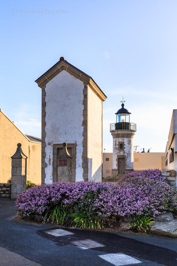 Der kleine Leuchtturm und der historische Leuchtturm im Hafen, Guilvinec