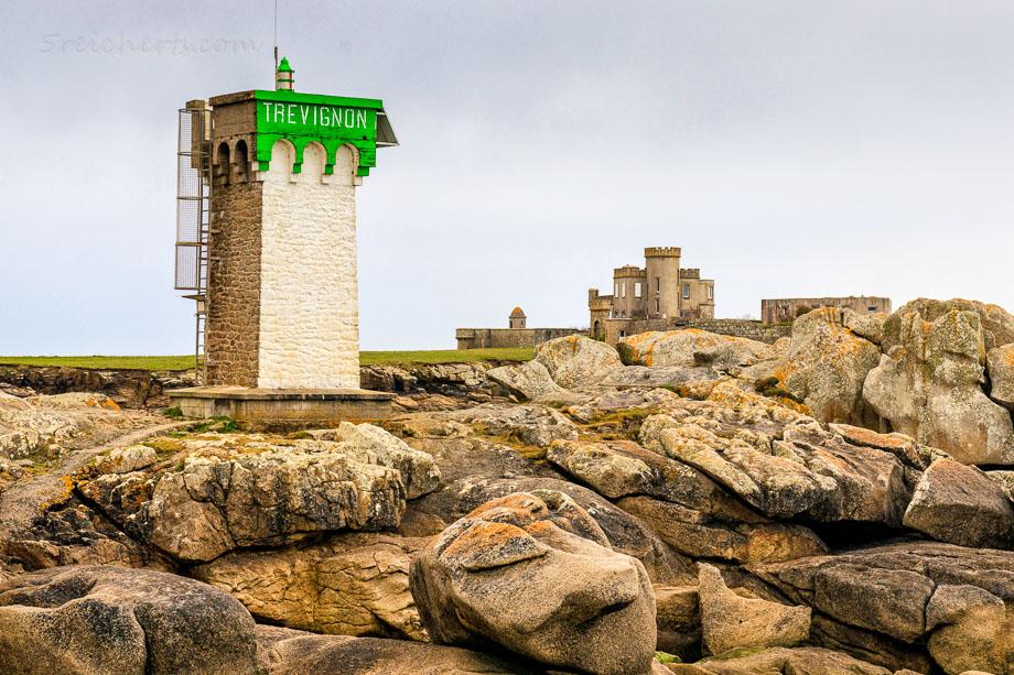 Leuchtturm in Trevignon, Bretagne