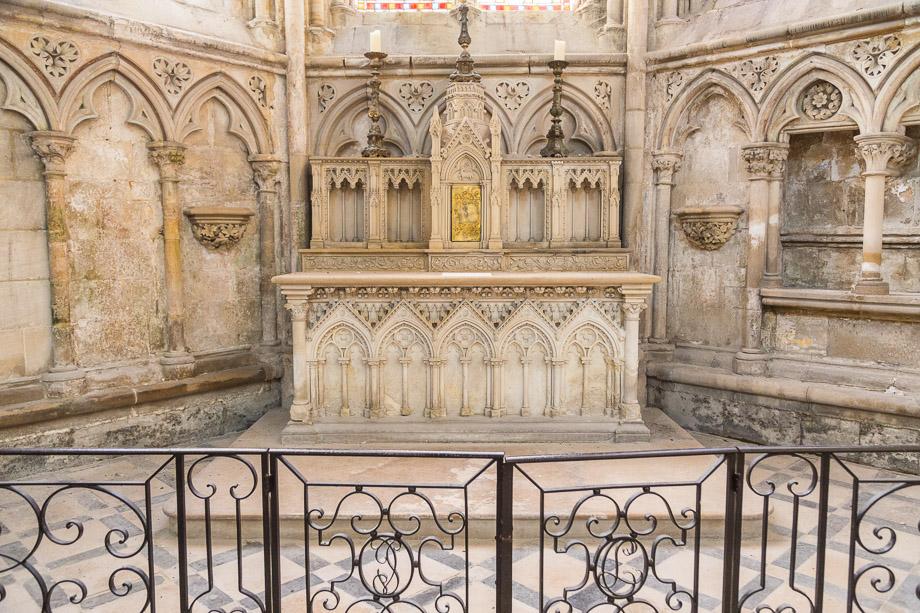 Altar in der Abteikirche Sainte-Trinité