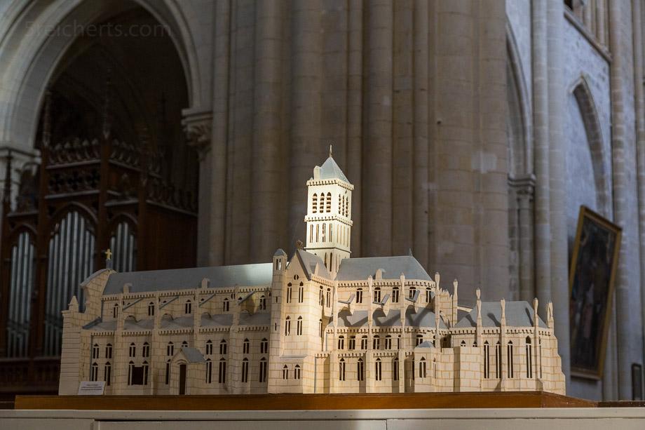 Modell der Abteikirche Sainte-Trinité