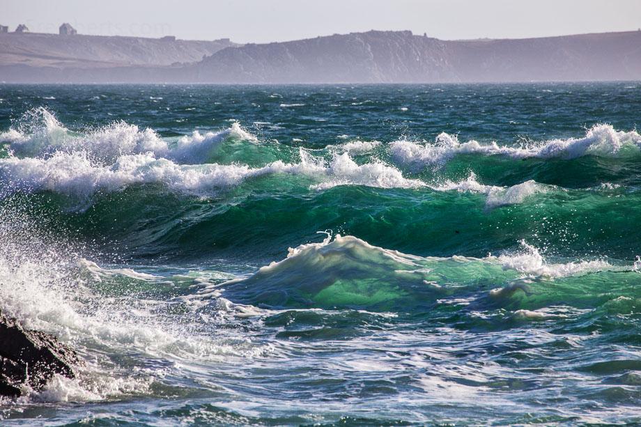 Wellen am Petit Minou, Bretagne