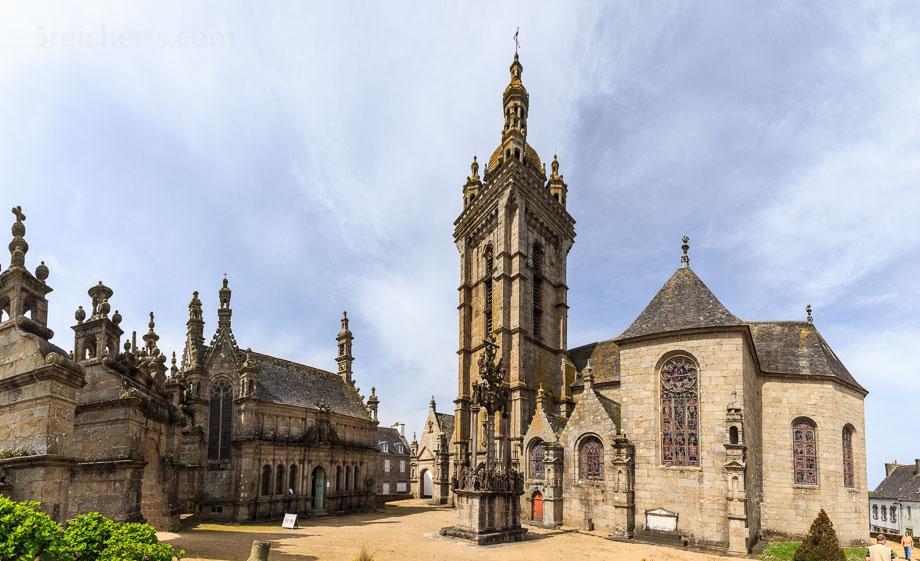 Pfarrbezirk und Calvarie von Saint-Thegonnec