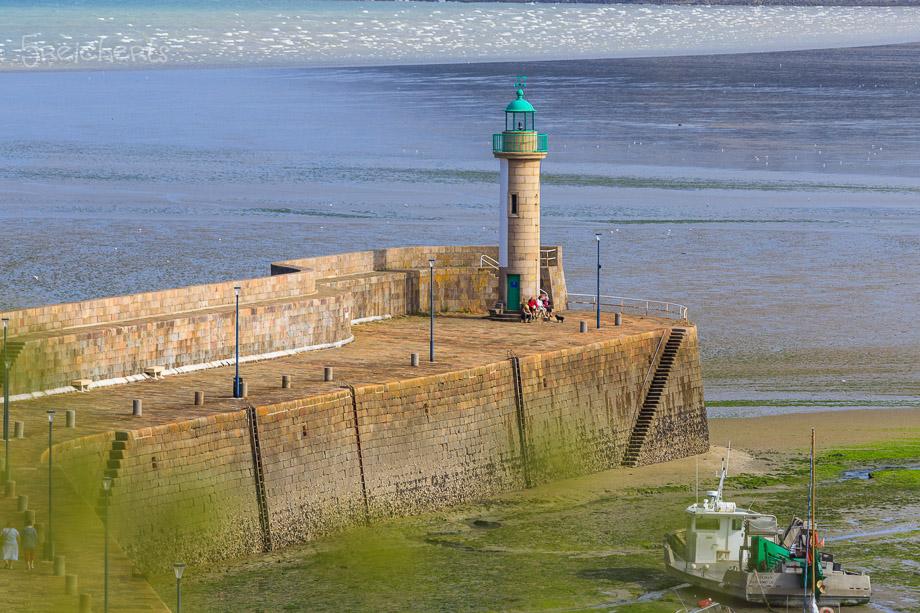 Der Leuchtturm vom obeneren Teil der Stadt aus gesehen