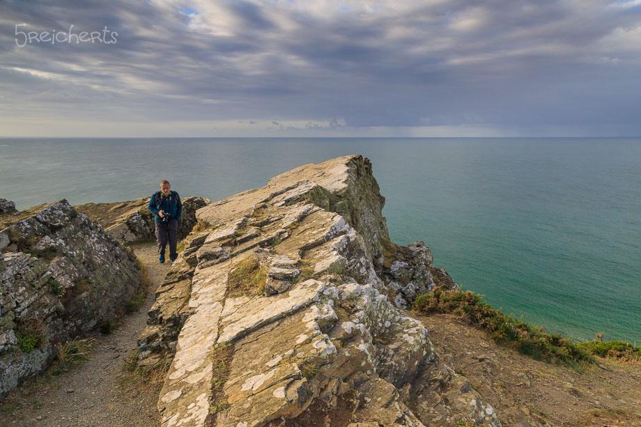 Gunter auf dem Wanderweg, Carteret, Normandie