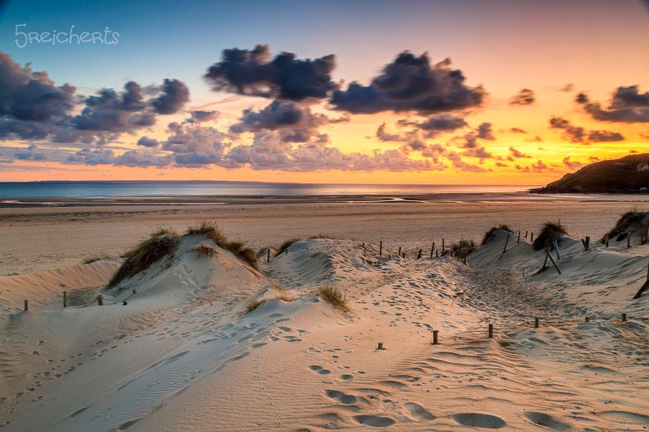 Sonnenuntergang über den Dünen beim Hafen, Carteret