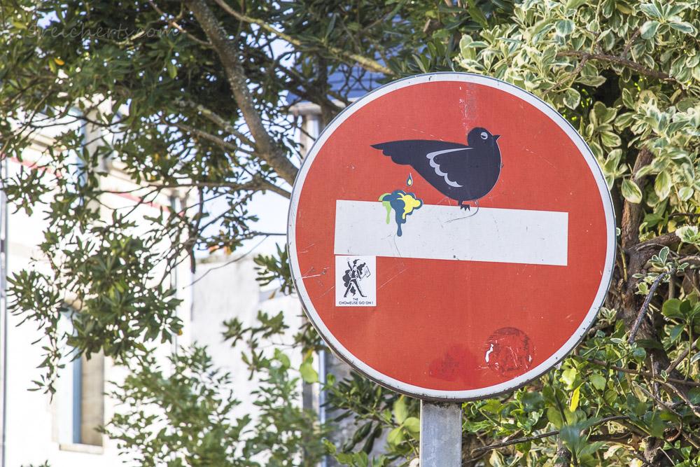 Clet Abraham Verkehrsschild: Vogelkacke