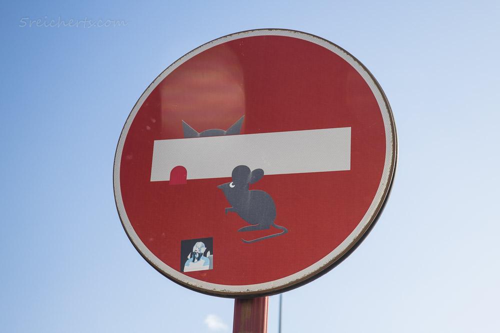 Clet Abraham Verkehrsschild: Katz und Maus