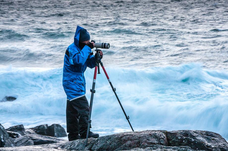 Stürmisches Regenwetter im Winter auf den Lofoten.
