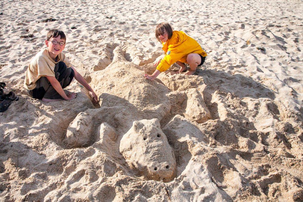Wir bauen eine Sandskulptur