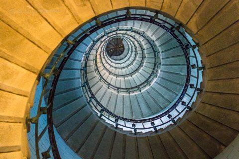 Im Treppenhaus des Phare d'Eckmühl, Bretagne