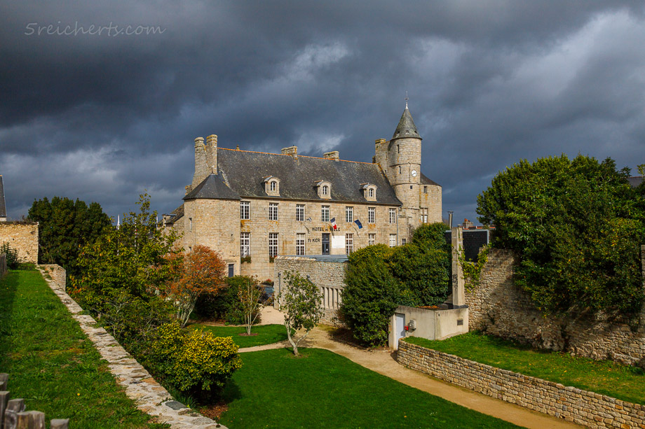 Rathaus in Pont L'Abbe, Bretagne