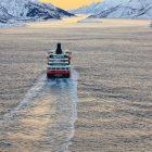 Hurtigrute im Raftsund, Lofoten, Norwegen
