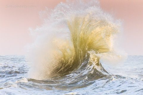 Wellen in Lesconil, Bretagne