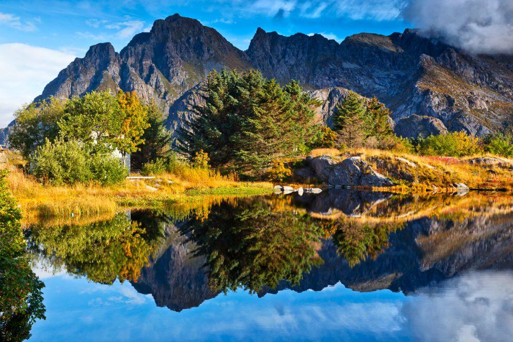 See auf den Lofoten, Henningsvaer, Norwegen