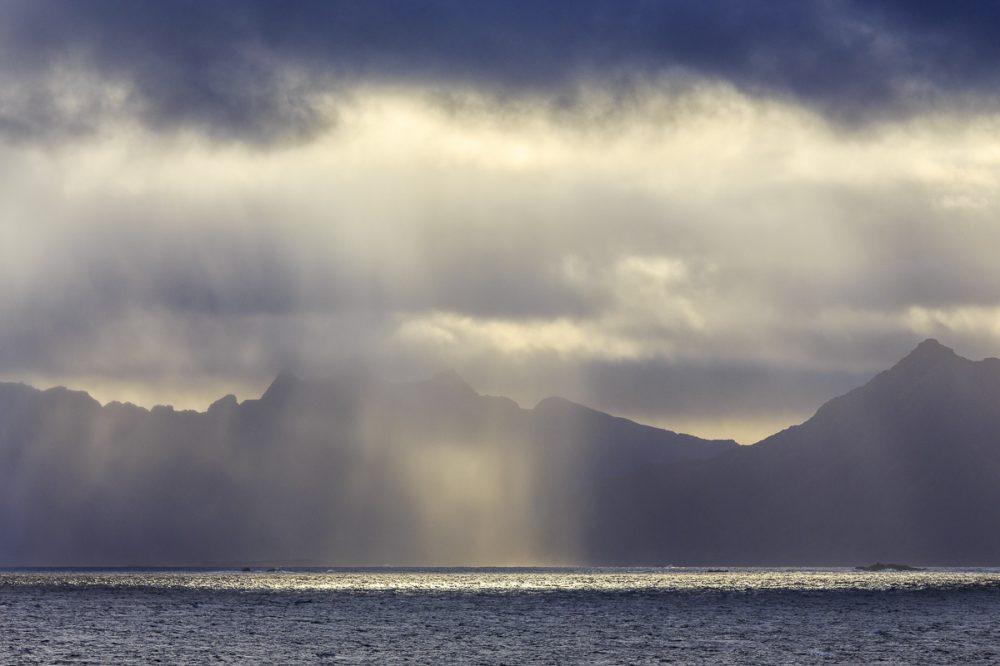 Regenwolke, Vesteralen, Norwegen