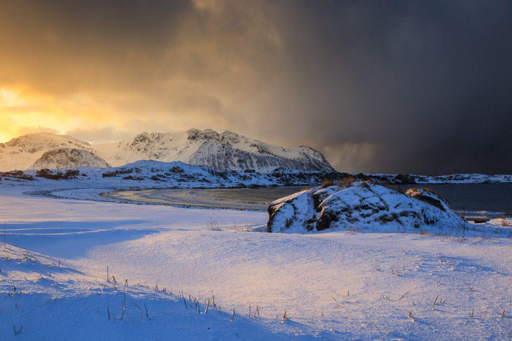 Schneelandschaft, Lofoten, Hov, Norwegen