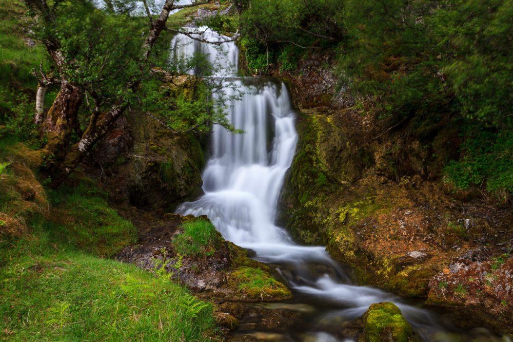 kleiner Wasserfall, Schottland