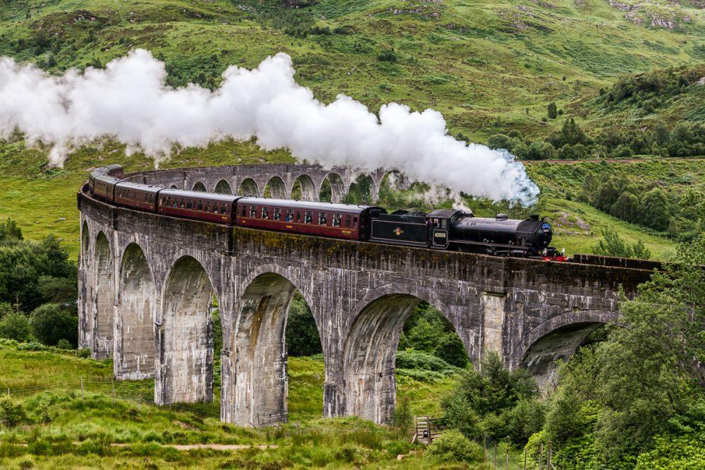Jakobite, Glenfinnan Viaduct, Highlands, Schottland